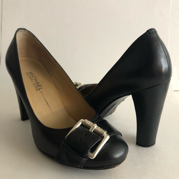 Michael Kors Shoes - Michael Kors Logo Buckle Heels Sz 6